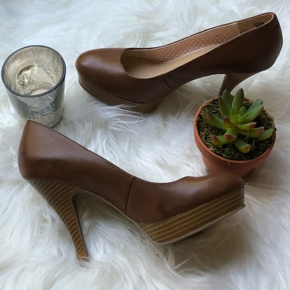 """e0f9ae1d9244 Unlisted by Kenneth Cole """"File System"""" Pumps"""